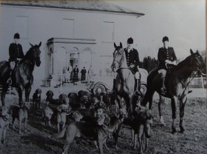 Scarteen Hounds, Grenane House, J.J. Ryan Master of Foxhounds with his daughters Gwenda and Jean Ryan